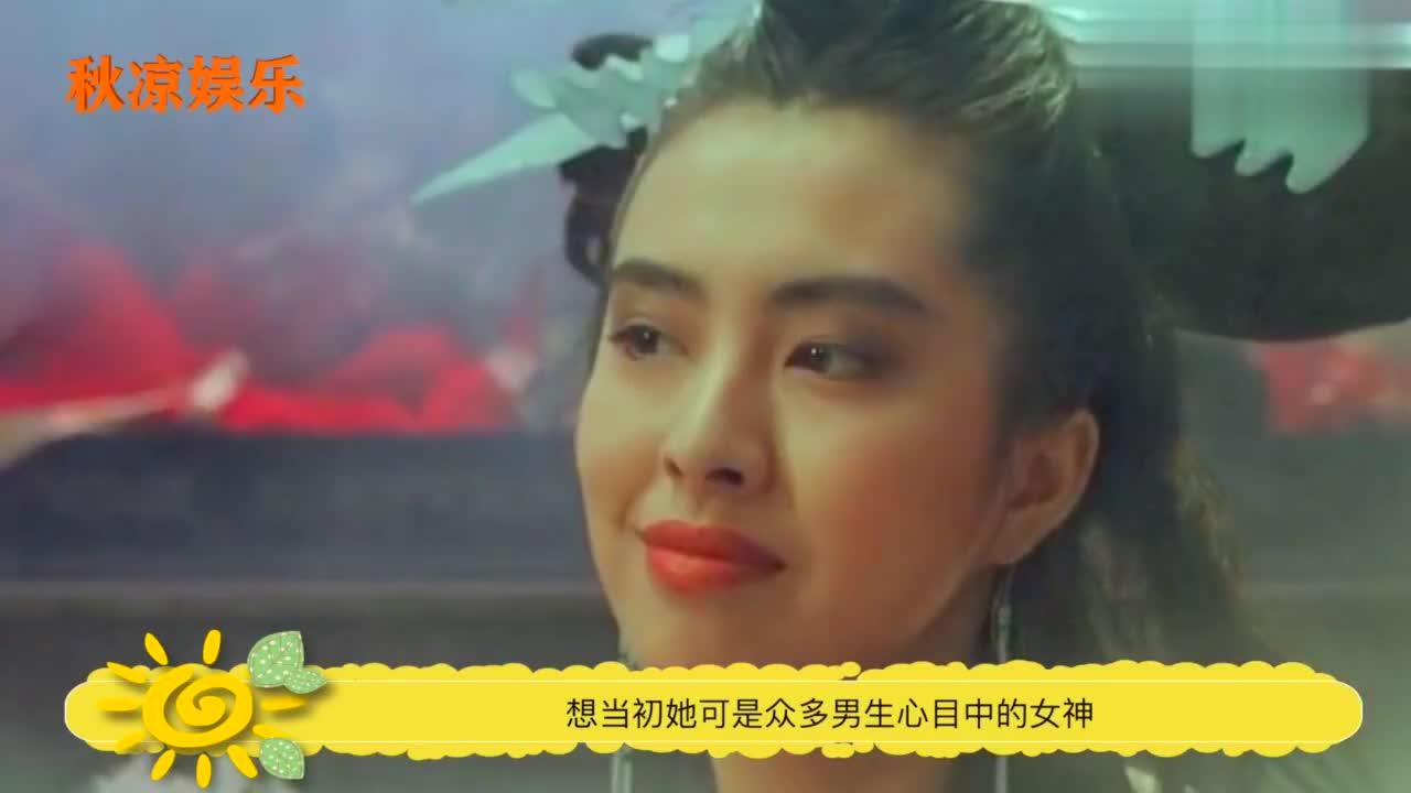 王祖贤30年前故宫旧照曝光,有谁注意背后的群演,如今成巨星