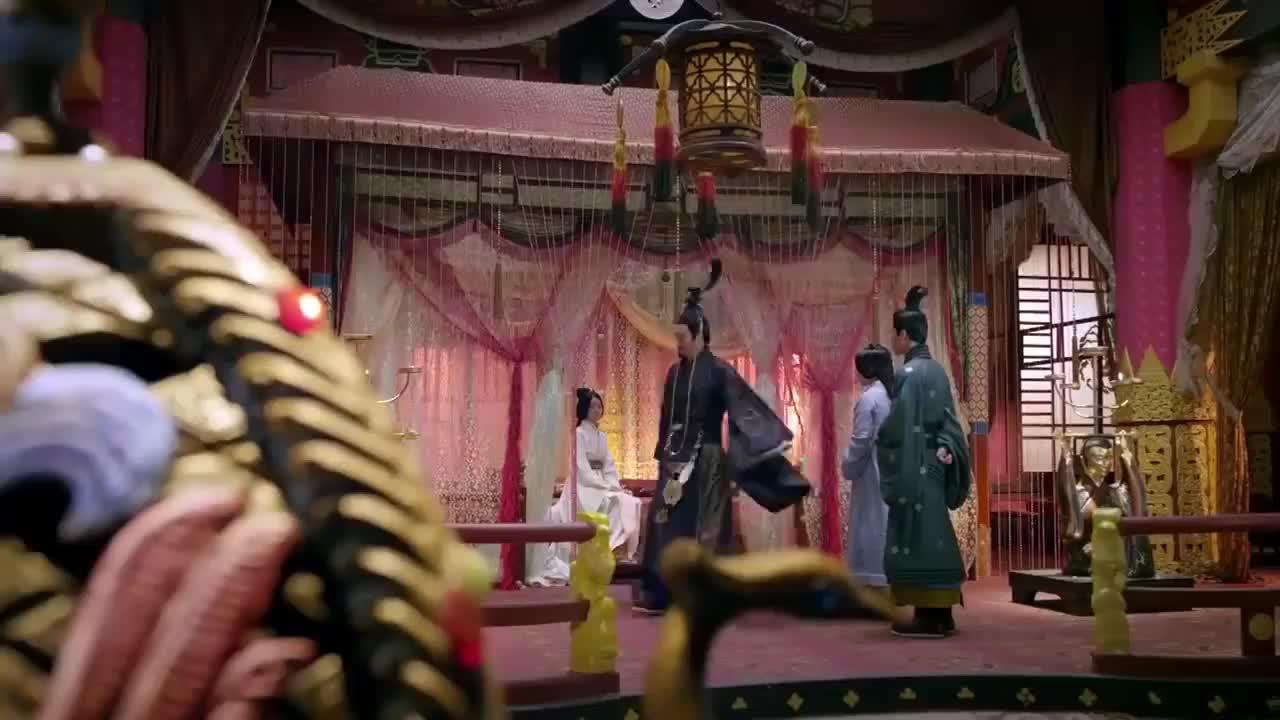 胭脂伤害丽华丽华却为她求情刘秀准备带她祭祖避开宫中之事