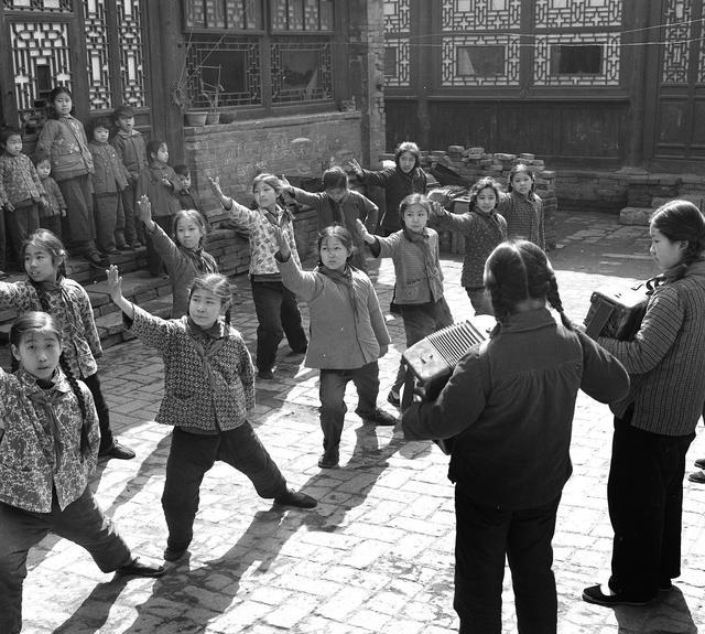 图像记忆 茹遂初60年代天津东门里小学培养一代新人图片