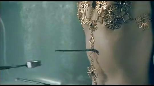 妖兽都市妖兽可以跟万磁王一样,吸取钢铁当武器