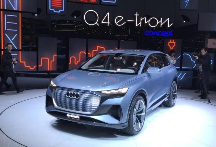 奥迪Q4e-tron全球首次亮相,造型优雅,科技感十足
