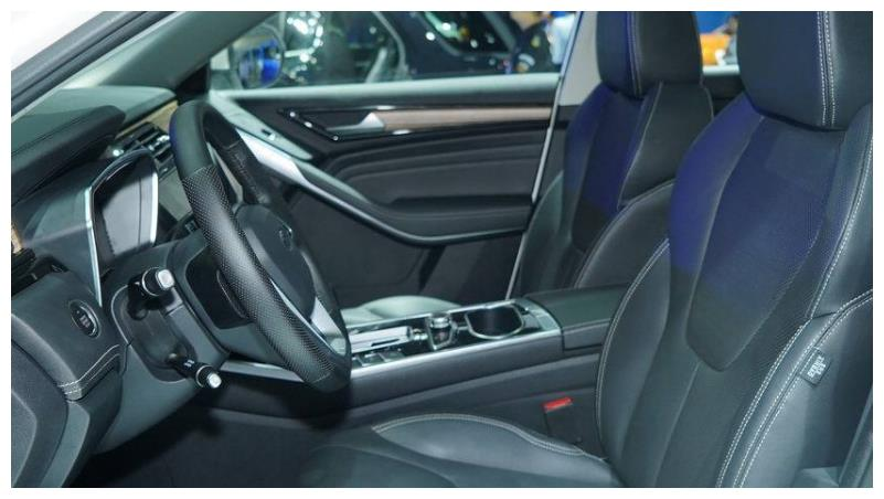 最实在合资SUV,比缤智还便宜,配1.5T,还看哈弗H6