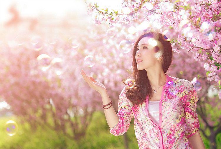 美女摄影:女人如花,静静绽放