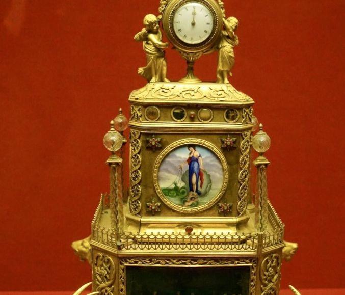 """旅游:故宫钟表馆——钟表造型精美,有""""万国钟表之馆""""的美誉"""