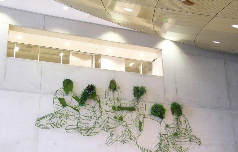 美国雕塑家Frank Plant创作的大型壁画作品