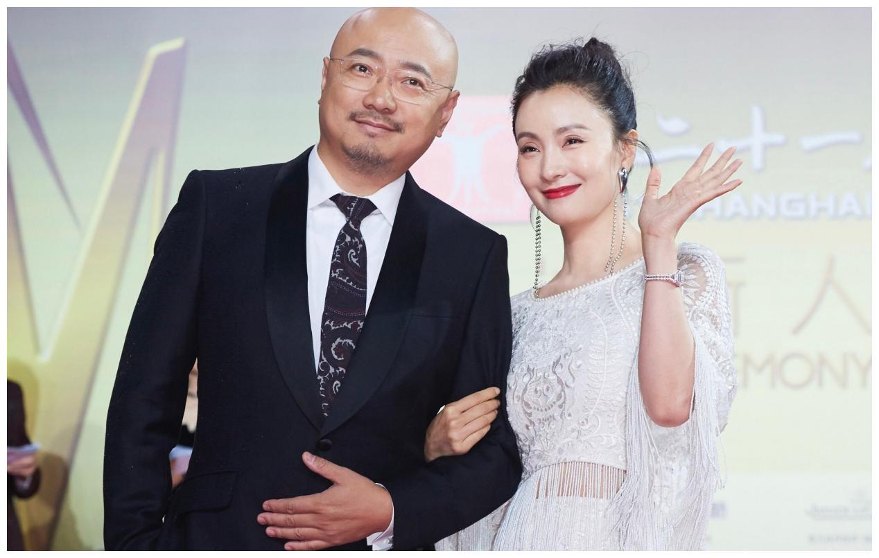 因长相丑怕表白被拒,暗恋陶红多年被徐峥捷足先登,娶了日本美女