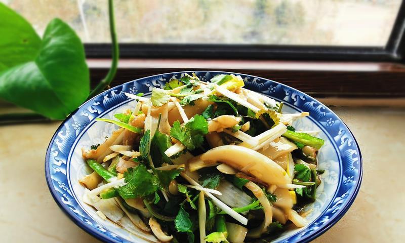 春节宴客少不了海鲜菜,这菜简单易做5分钟上桌,好吃有面儿