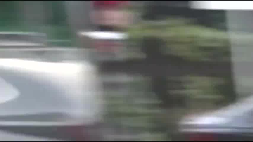 MOMOLAND成员5人出席音乐银行红毯休闲造型引爆闪光灯