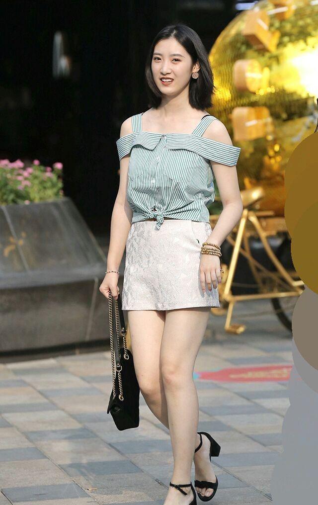 夏季时尚街拍, 走在时尚前沿的美女总是很养眼