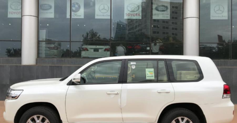 最便宜的丰田陆巡来了,布座椅+收音机,网友:这才是越野车本质