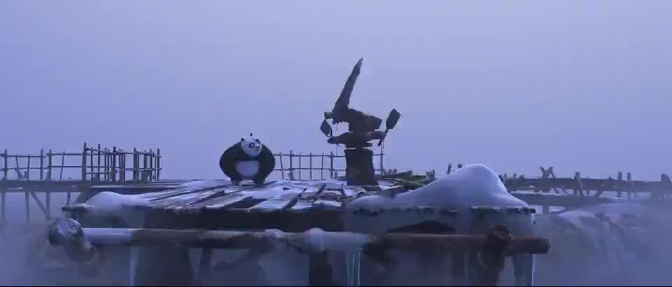阿宝变身导师教授熊猫学功夫,样子很呆萌!