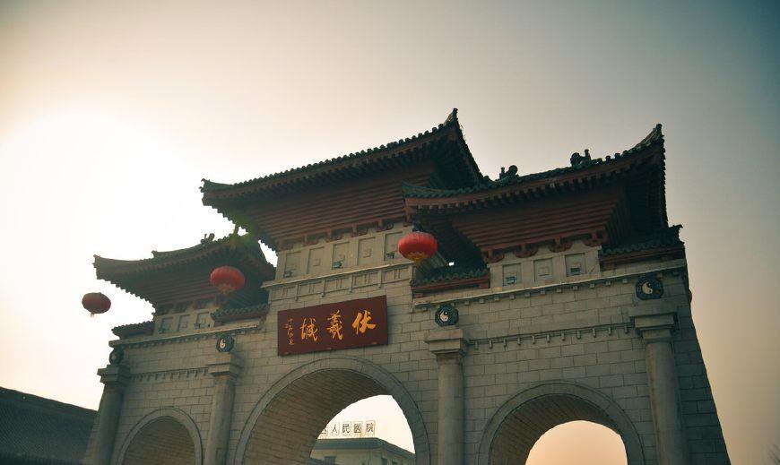 秦州是历史底蕴丰厚的地方,古之又称为龙城——伏羲庙
