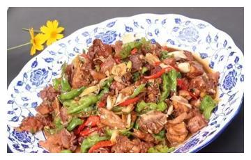 美食推荐:枣庄辣子鸡、公鸡蛋蒸生蚝、美容豆浆火锅制作方法