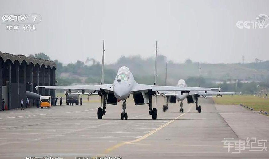 """中国歼11最新""""魔改"""",又闪亮登场了!战力超越美军最强电子战机"""