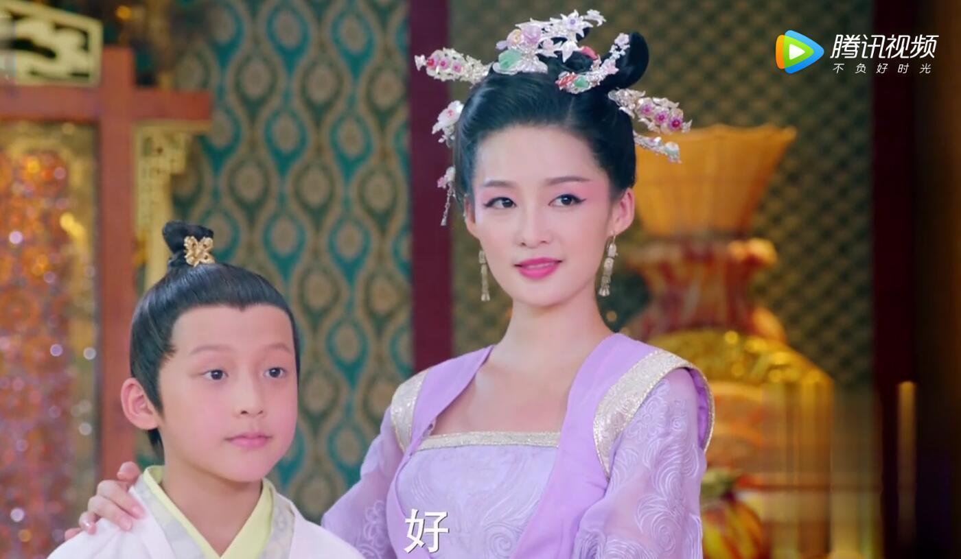 楚乔传的紫色风看着真清新!南笙成最美淑仪,黑化李沁反倒更典雅