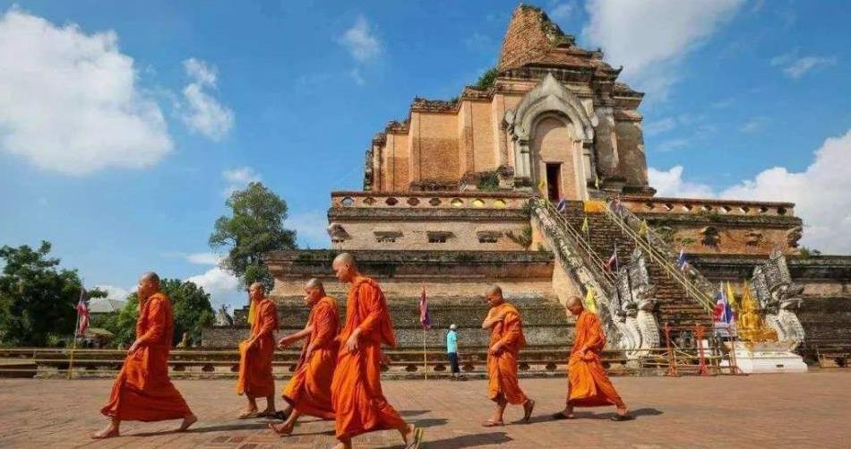 难怪很多寺庙禁止游客对佛像拍照,听听老和尚给出的答案!