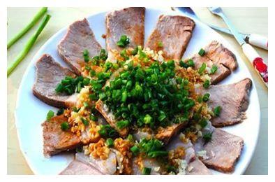 简单家常菜:水煮白肉,罗汉果雪梨银耳羹,黄金糯米煎饼