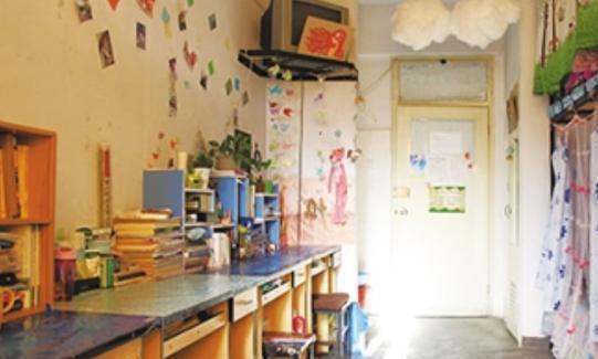 AA买空调被室友拒绝,大学生独资安装,宿舍秒变桑拿房