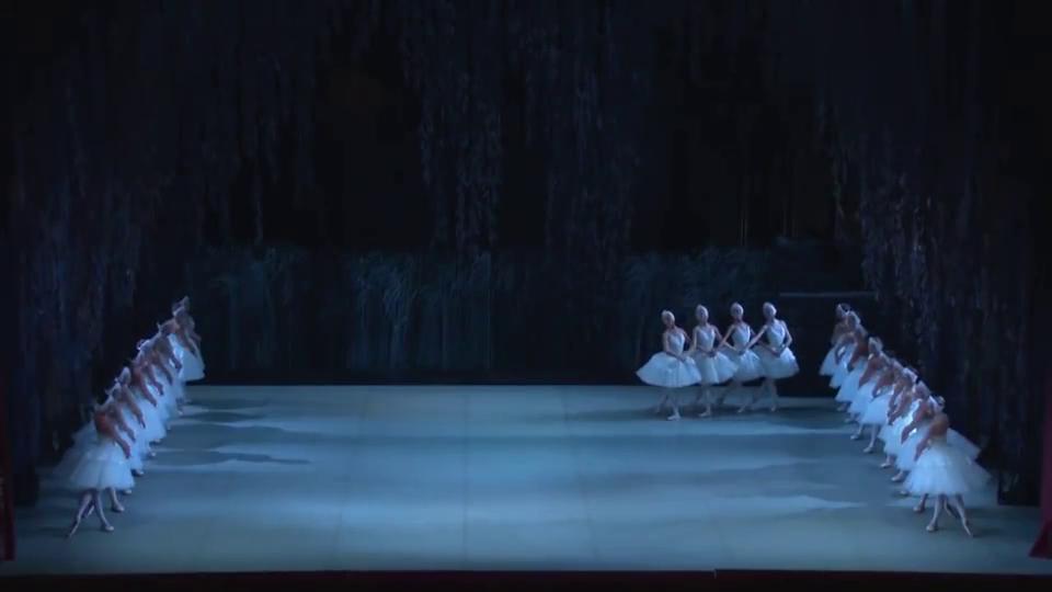 芭蕾《天鹅湖》四小天鹅经典舞段,百看不腻