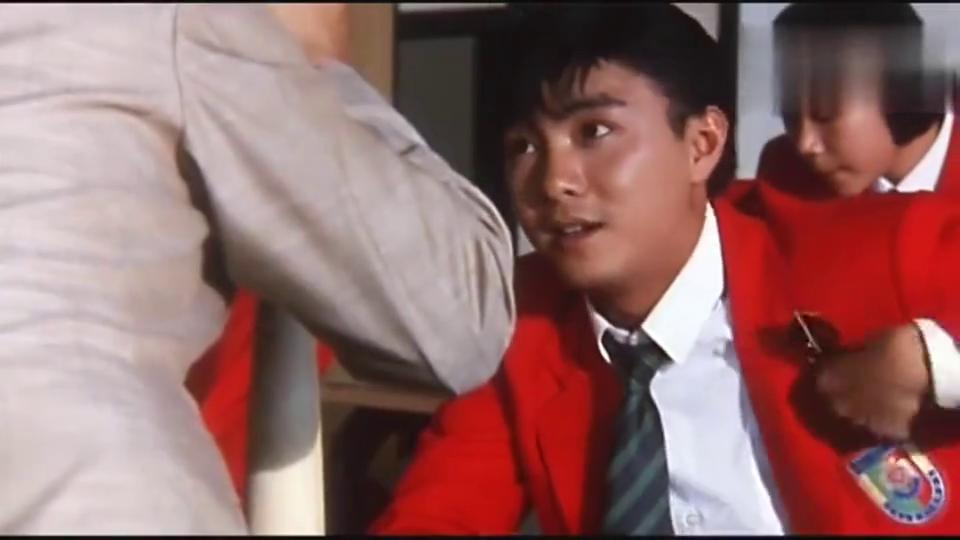 吴孟达当监考老师(张卫健)发挥他的特长,这段太搞笑了