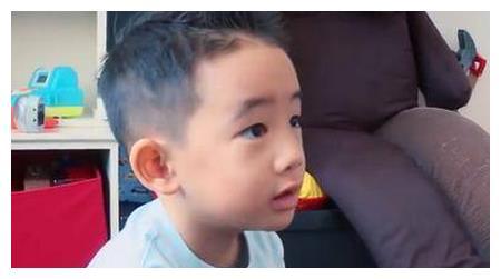 被酬劳打动才带儿子录节目?陈小春说出带儿子上节目的原因