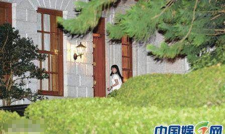 吕丽君十二年的贴身陪伴大刘却输给了一个小娱记,不甘心!