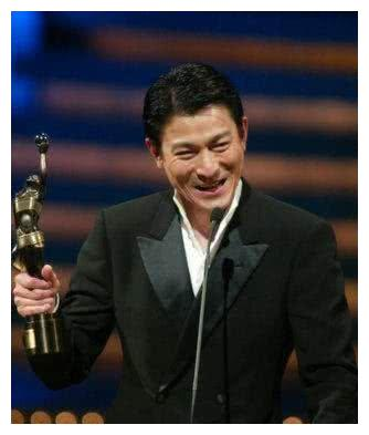 最爱国的明星,一个霸气拒绝2亿代言费,最后一位敢叫板日本!