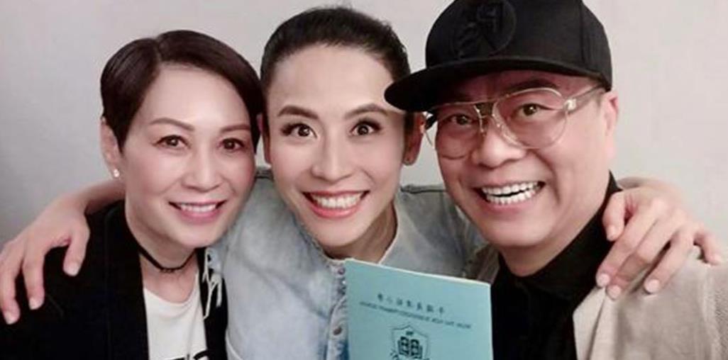 宣萱49岁生日,欧阳震华携老婆为宣萱庆生,不见古天乐送祝福