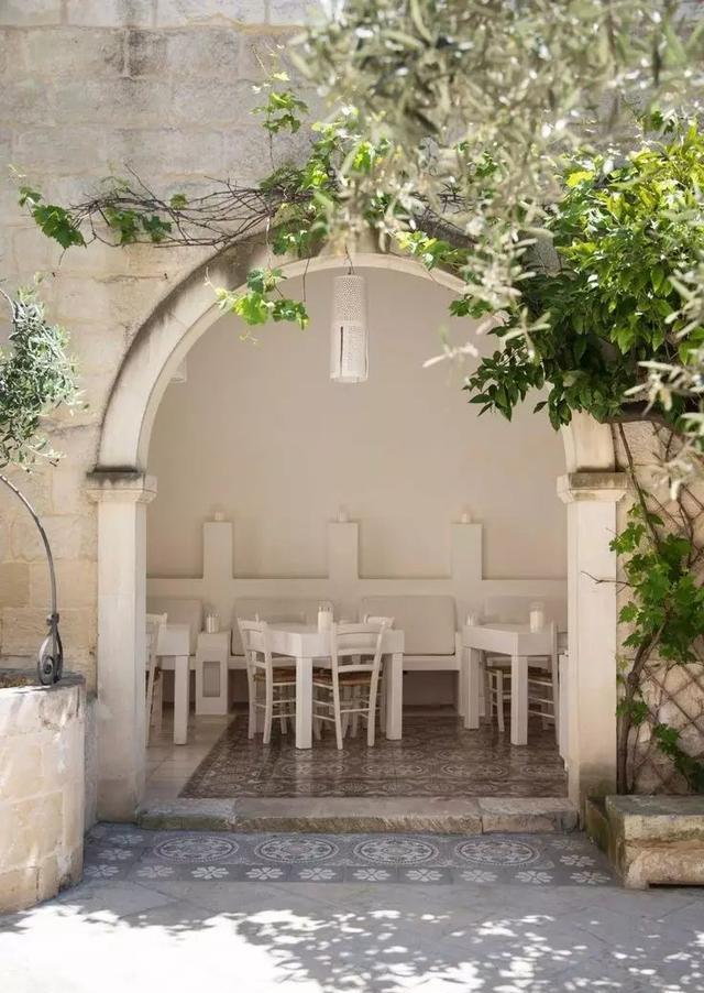 地中海风格的迷情花园图片