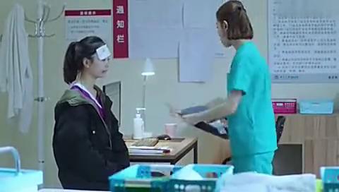 护士安慰失足少女,却被警察吐槽事挺多的