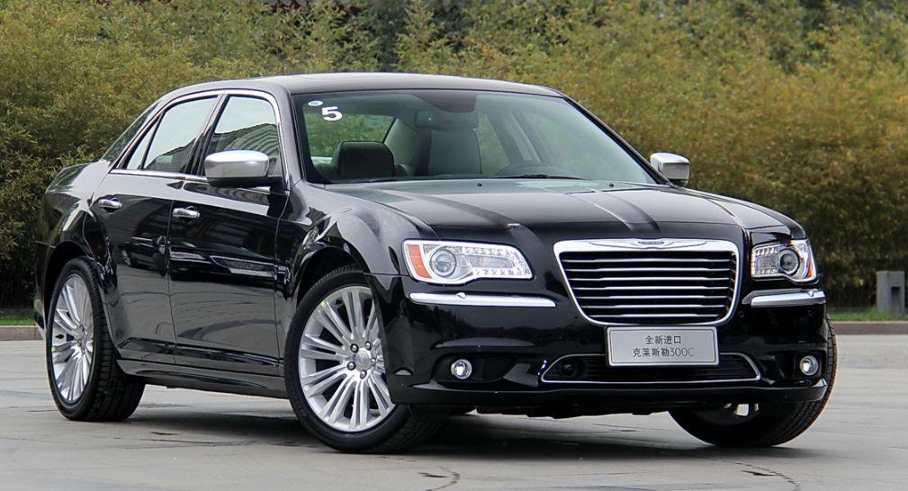 车身颜值在线,档次超高的克莱斯勒300C,年轻人的购车首选