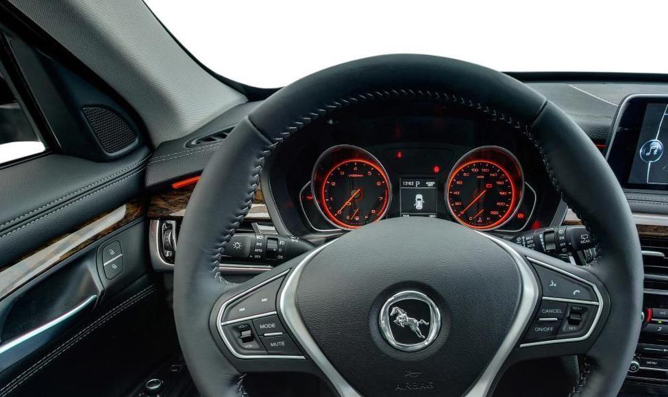 精致高档的一款汉腾X7,增加全新的设计理念,年轻人的驾驶首选