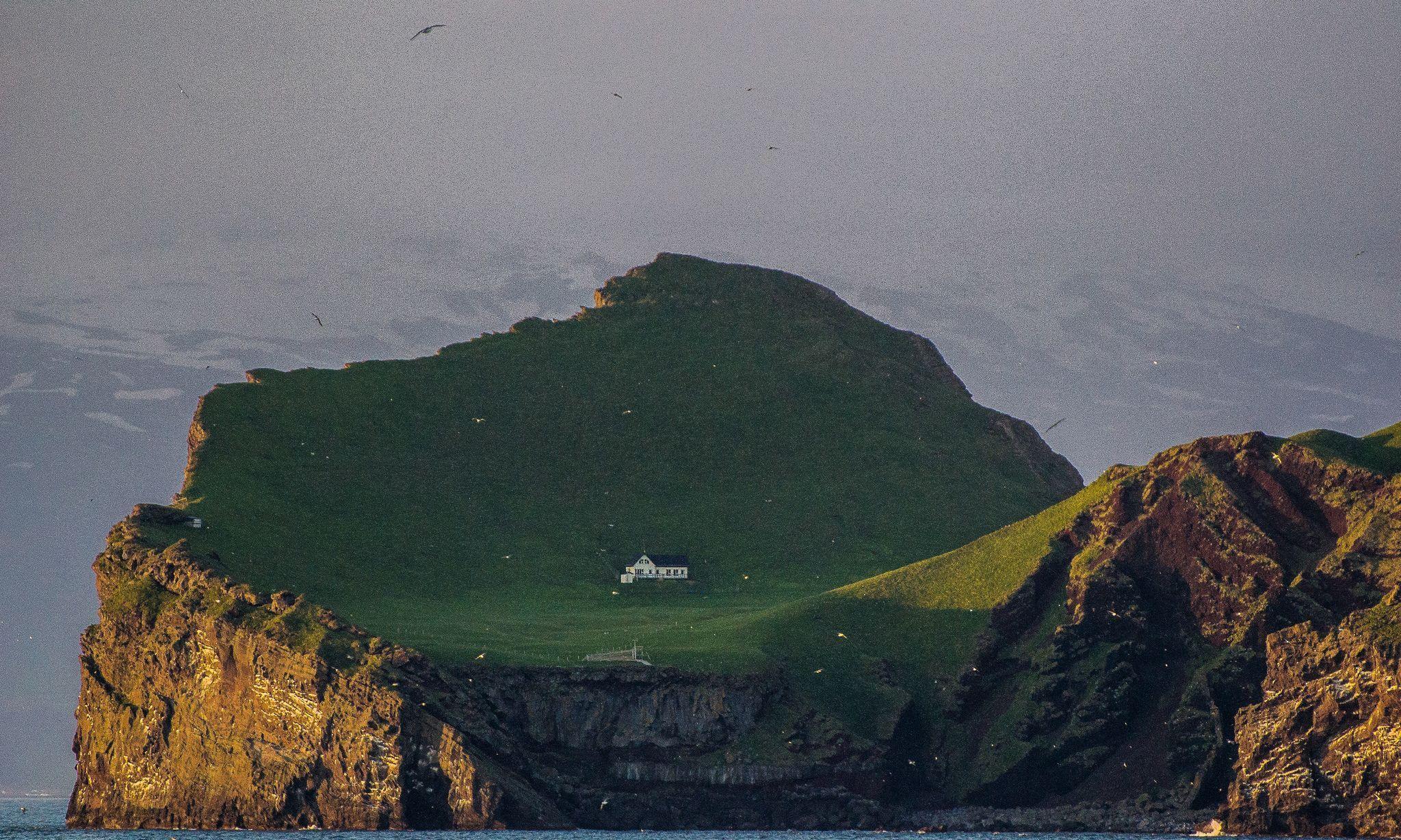 世上最孤寂的定居点,一个人独自享有一座岛和一片海