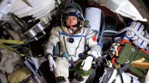 中国第一名宇航员杨利伟,现状如何?让人忍不住感叹