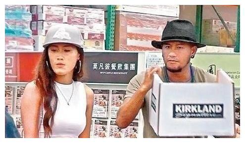 张震岳未婚当爸,网友:不只是普通人先上车在买票。