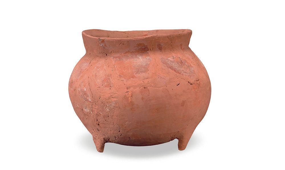 湖北省博物馆,馆藏新石器时代的陶鼎!虽然简约,但不失可爱!