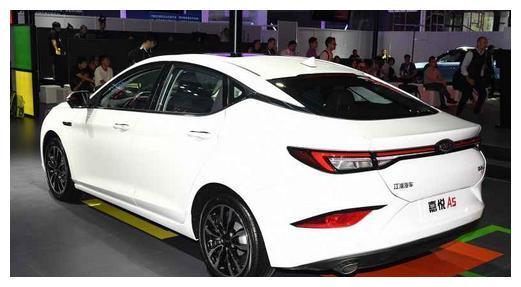 又一款国产家轿来了,掀背造型,搭载1.5T+CVT,或将11月上市!
