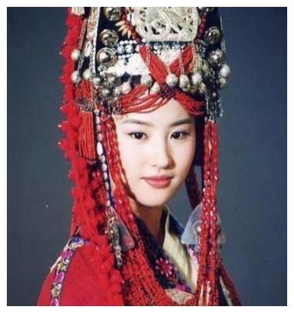 黄奕美女古装斗艳,红衣李晟迪丽热巴刘亦菲看看,灌醉谁更美?下场上榜美女的后图片