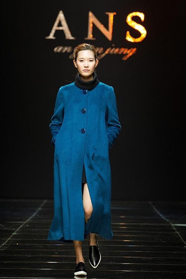 时装周:这些模特用潮流的穿搭表现了对时尚的热情,快来一起看看