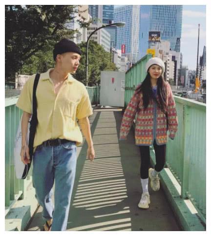 女神金泫雅与男友同框,两人首次公开自拍照,分享甜蜜日常!