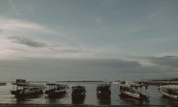与巴厘岛隔海相望,原始与美丽并存——龙目岛