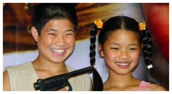 最丑童星12岁一夜成名,因为丑被北影惨拒,如今美如天仙