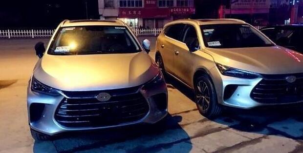 比亚迪新车停在街头, 车标没有挂, 被很多人误认为是进口车!