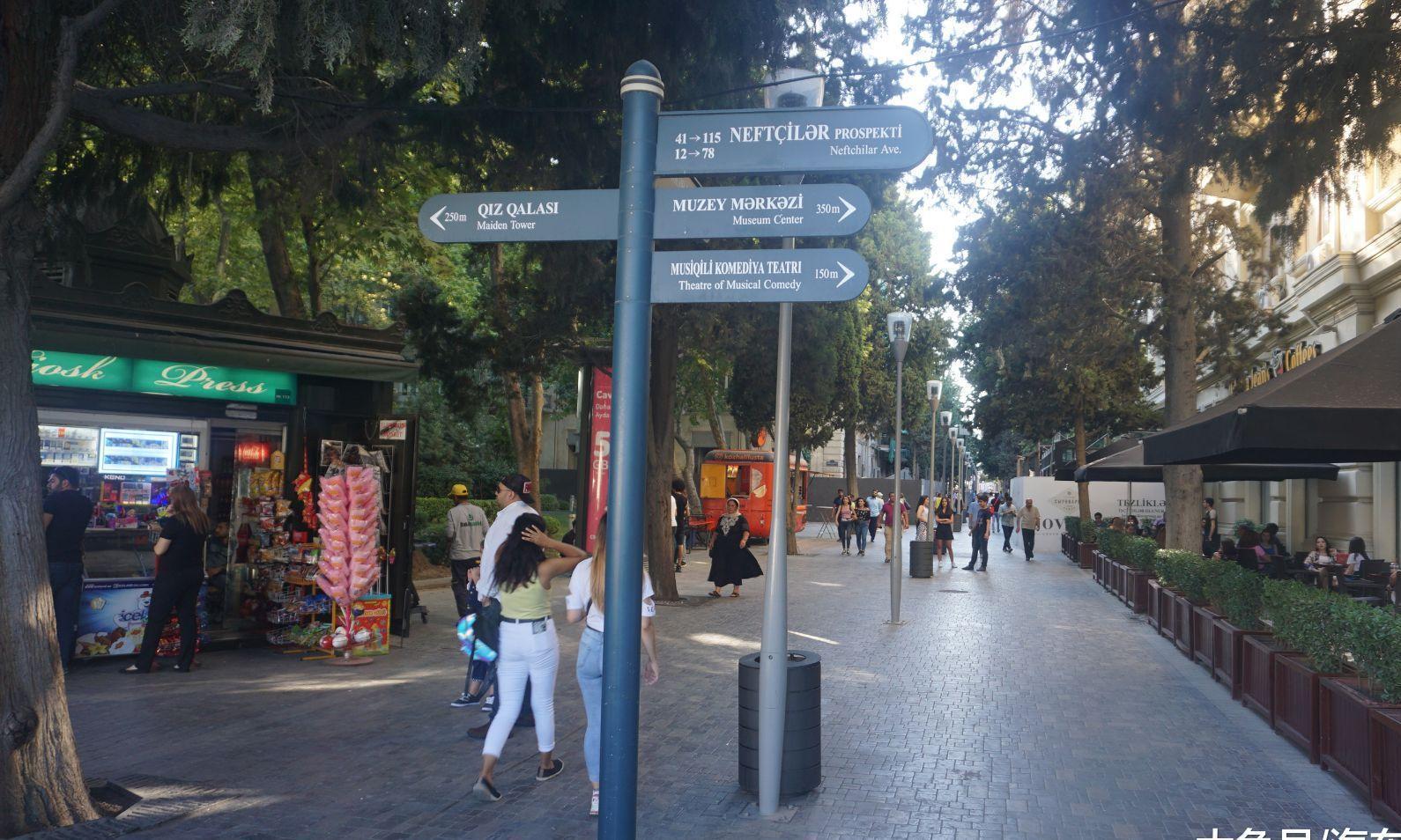 阿塞拜疆首都巴库吃喝玩乐首选之地:喷泉广场