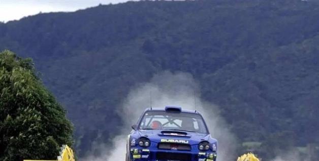 为何追求速度拉力赛车喜欢用便宜的小车,奔驰AMG不行吗