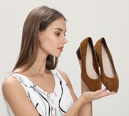 穿高跟鞋累脚,不穿又怕身高矮,那么女鞋究竟怎么挑才能显高时尚