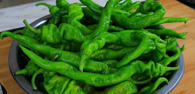 腌制辣椒的做法,媳妇向70岁婆婆讨教秘方,做法简单,开胃又下饭