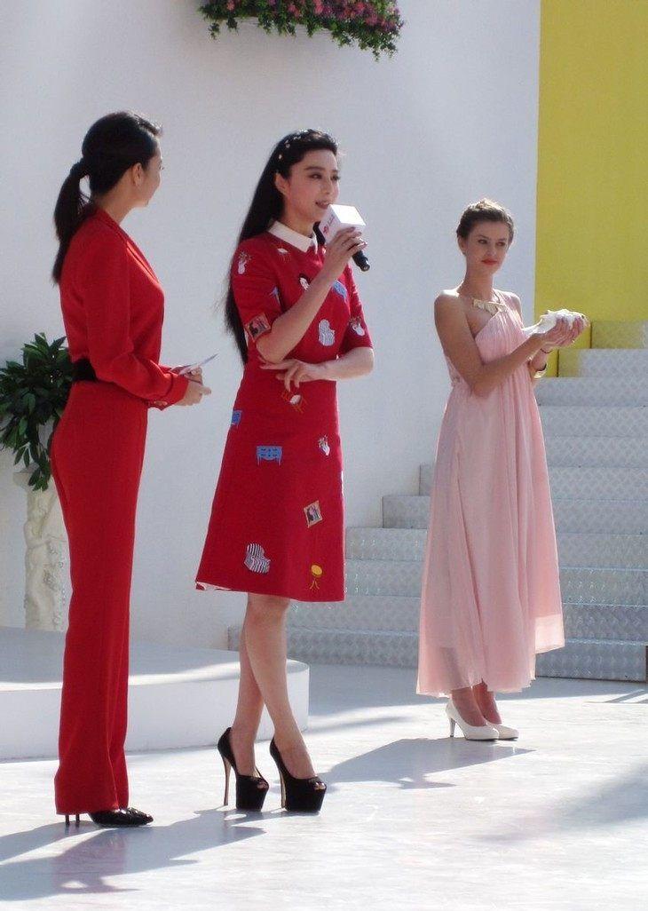 女星们的高跟鞋一个比一个高,张惠妹拿第一,但最服的还是她!