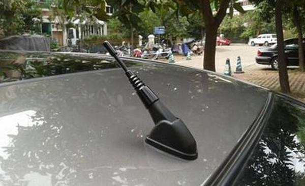 车辆天线为什么要装在顶部?它还有很多好用的功能!