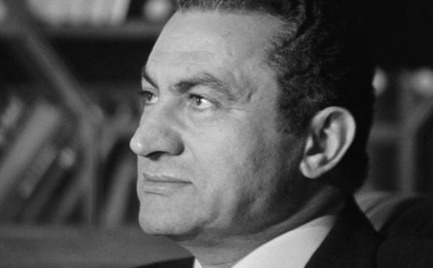 穆巴拉克怎么上台的?因为一个诺贝尔奖得主被暗杀了
